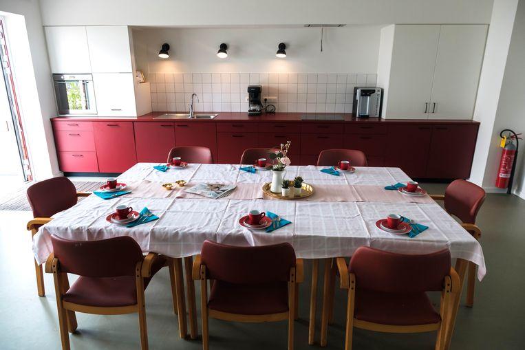 Klassiek ingerichte eetkamer in het woon- en zorgcentrum Mandana in Genk.