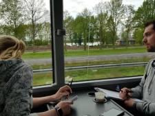 Politie beboet telefoongebruik tijdens grote actie op A50 vanuit touringcar