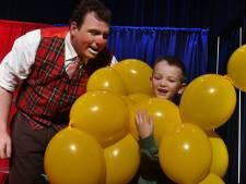 Een heel circus in zijn eentje in theater De Bolle Kater