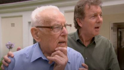 Nederland huilt mee: 94-jarige Koos wordt na meer dan 50 jaar herenigd met zijn broers en zussen in tv-show