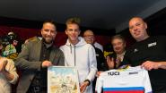 "Kersverse wereldkampioen Thibau Nys gehuldigd in thuisdorp Baal: ""Daardoor ga ik alleen maar harder rijden"""
