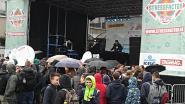 Leerlingen KAMSA houden festival op speelplaats