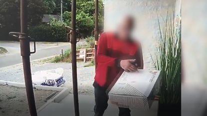 Postbode gefilmd terwijl hij nonchalant een pakje afgooit