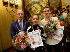 Lintjes voor jonge mantelzorgers uit Enschede