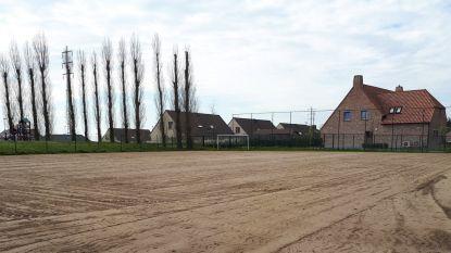 """Voetbalvelden vroeger ingezaaid: """"Werken gebeuren beter en grondiger"""""""