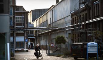 Wiebes vraagt Siemens om opheldering over sluiting Hengelo
