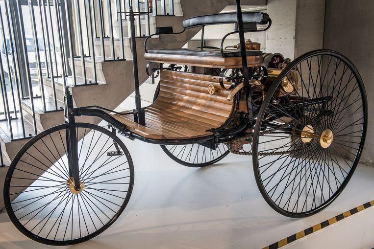 De eerste Mercedes uit 1886 staat ook in de garage van Marc.