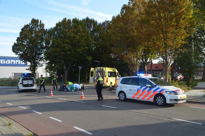 Het slachtoffer is door het ambulancepersoneel nagekeken en per ambulance naar het ziekenhuis vervoerd.