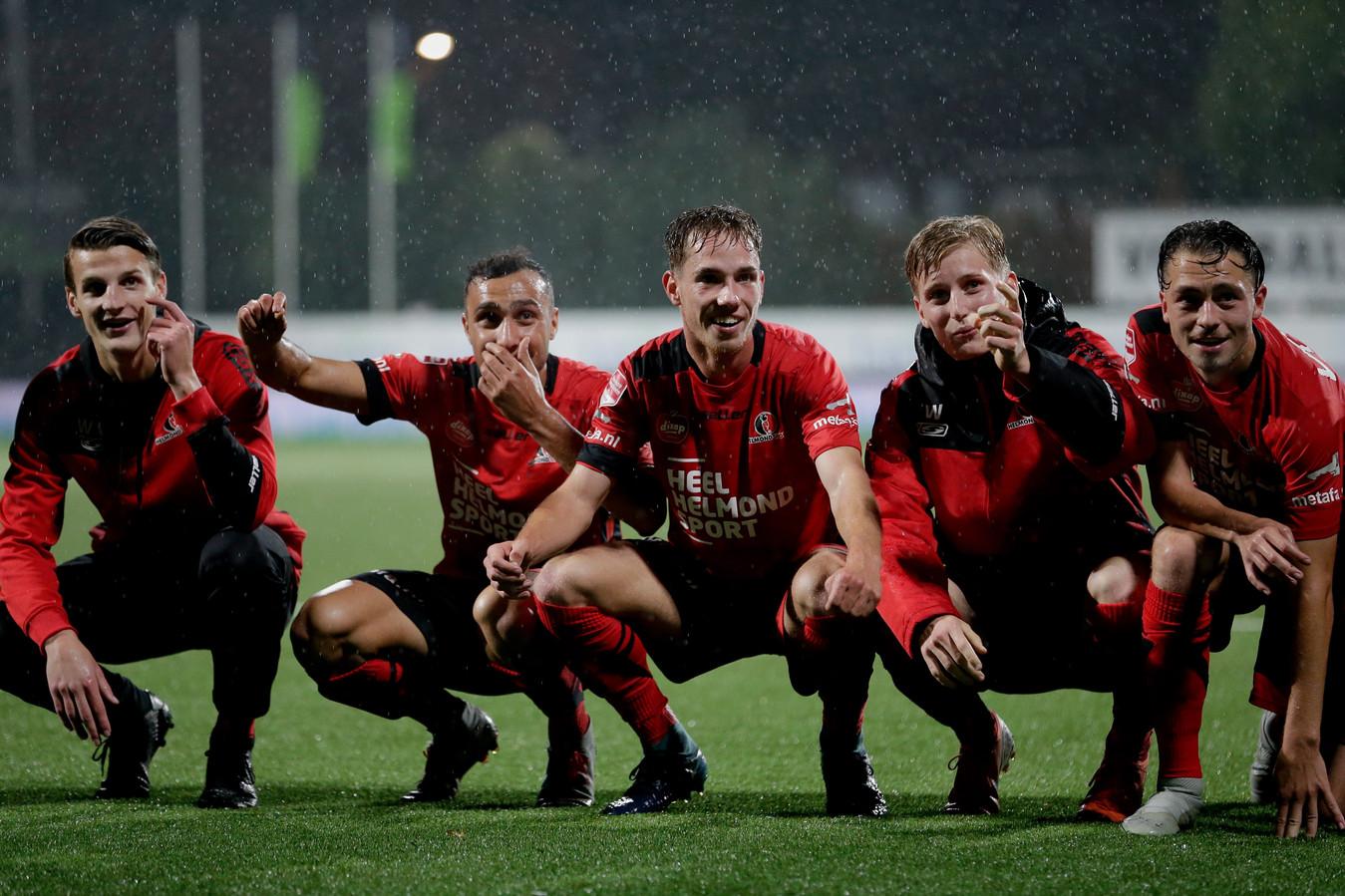 De spelers van Helmond Sport kunnen eindelijk weer een feestje vieren.