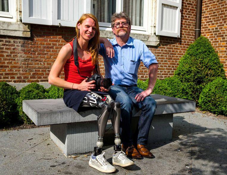 Fotograaf Jo De Groote met Hannelore Vens, die meewerkte aan de eerste reeks van 'Live - Life'.