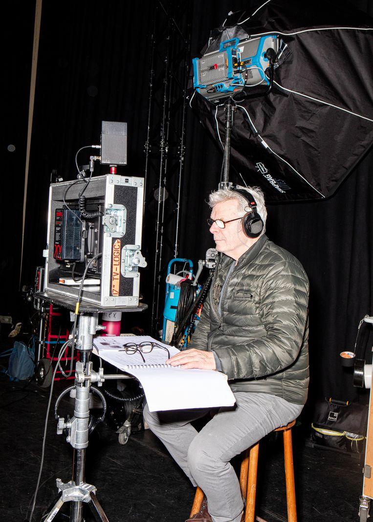Op de set bij de nieuwe film van Alex van Warmerdam, onder de titel nr. 10.  Beeld Lisa Klaverstijn