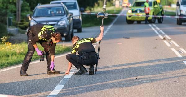 Kind komt om door ongeluk bij bushalte in Emmeloord.
