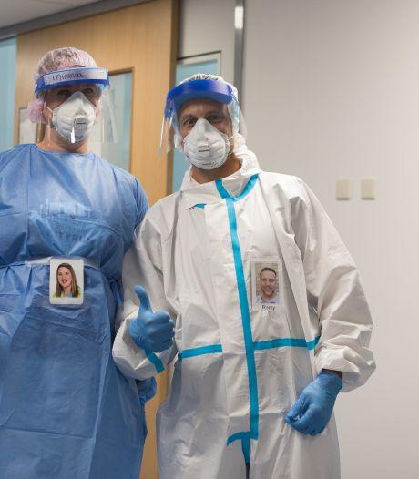 Zorgmedewerkers Bravis krijgen eigen foto op beschermpak: 'Nu zie ik wie er in het pak zit'
