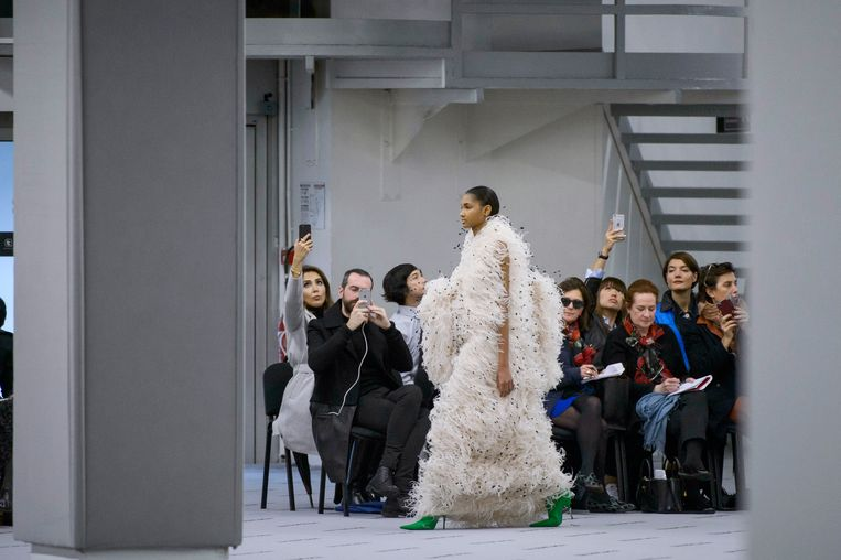 Modeshow van Balenciaga tijdens Paris Fashion Week in 2017.