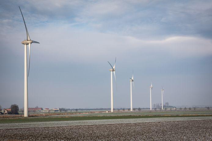Windmolens bij SInt-Maartensdijk.