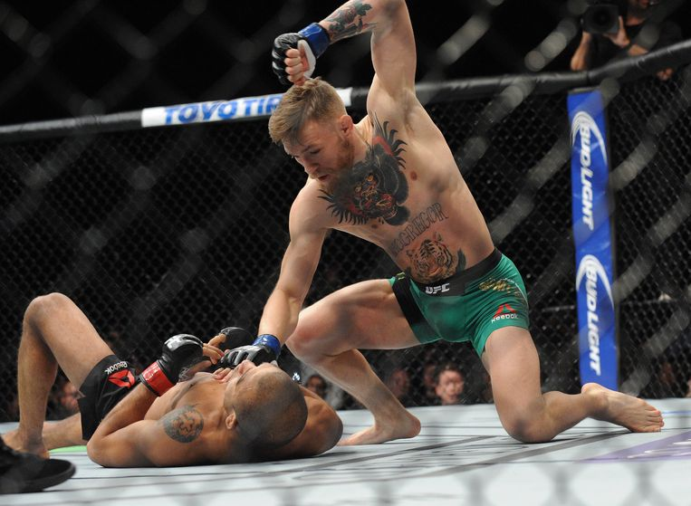 Dertien seconden had McGregor nodig om Aldo in 2015 te verslaan. Nooit werd een titelkamp sneller beslist. De