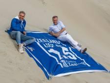 De oplossing op het strand: de anderhalvemeterhanddoek