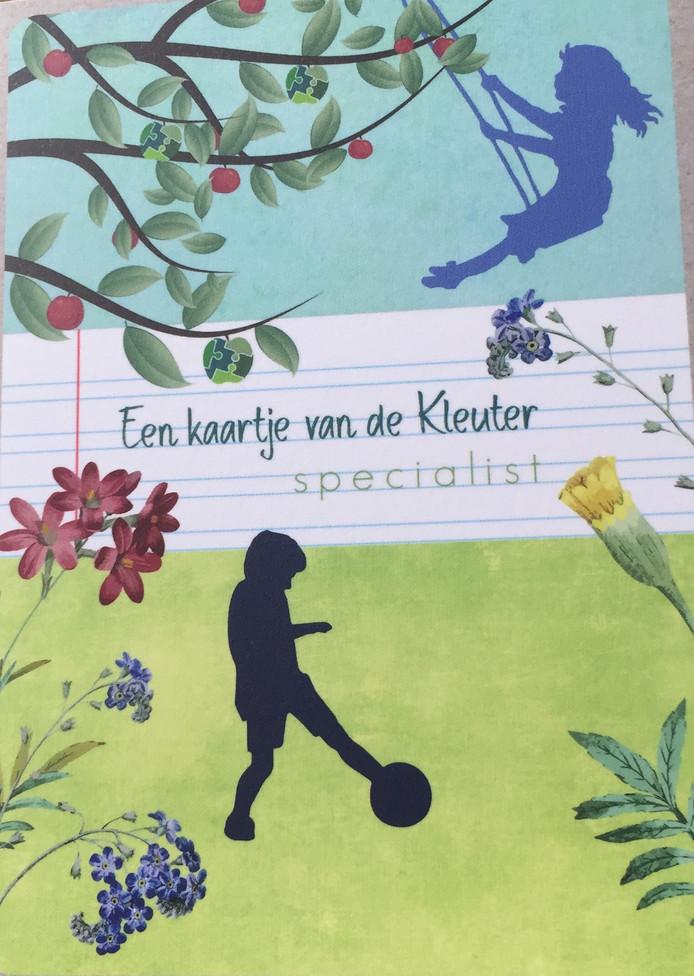 Lianne Jongsma stuurt kaartjes met hartjes en een persoonlijke boodschap aan mensen in het onderwijs.