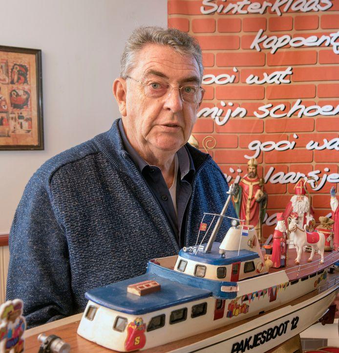 Bert Kaasschieter in november 2018, toen hij vol trots de eerste versie van het pop-up Sinterklaas Museum hielp inrichten.