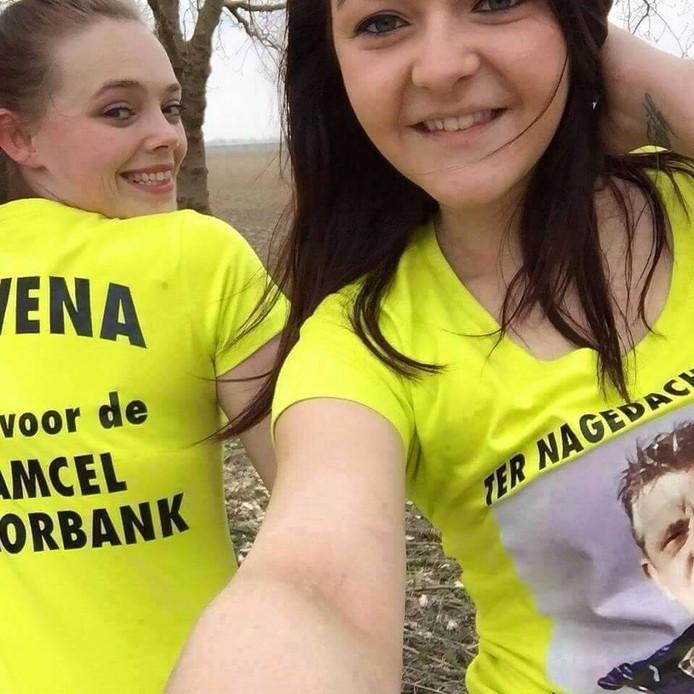Rowena van Ast en Demi van Gils.