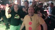 VIDEO: zo viert café Sport carnaval…Stefke Lood en Kris Aron zingen klassiekers