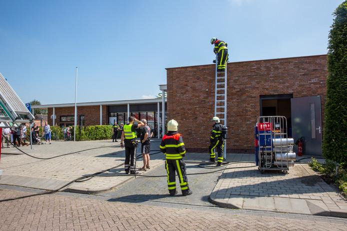 In een buurthuis aan de Graaf Engelbrechtstraat in Kruisland heeft een kleine brand gewoed.