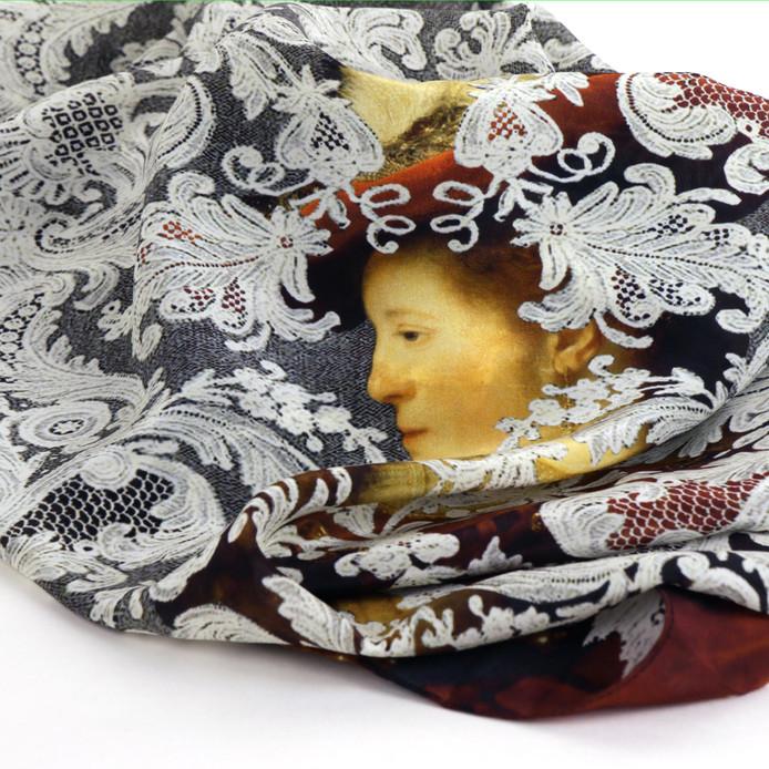 Het nieuwe ontwerp: Rembrants Saskia op een zijden shawl.