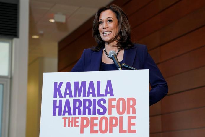 Kamala Harris op een persconferentie nadat ze haar kandidatuur voor het presidentschap van de VS heeft bekendgemaakt.