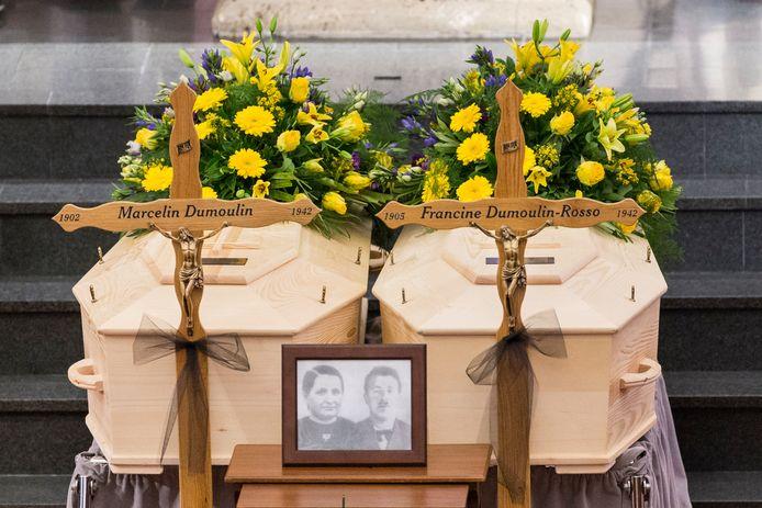 Voor de kinderen en kleinkinderen van het echtpaar Dumoulin was het een opluchting dat ze hun ouders en grootouders na 75 jaar eindelijk ten grave konden dragen.