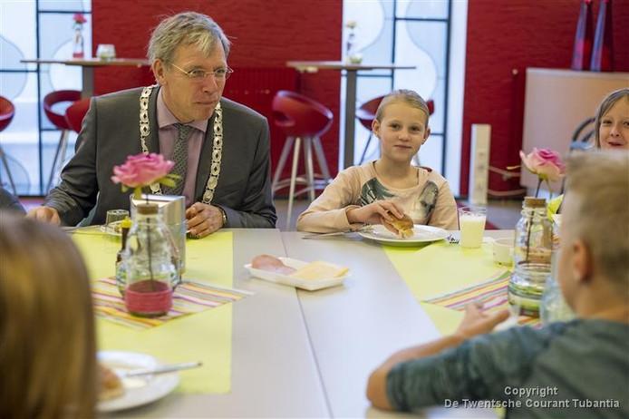 Burgemeester Cornelis Visser van de gemeente Twenterand wil zich inzetten voor het verbeteren van de burgerparticipatie.