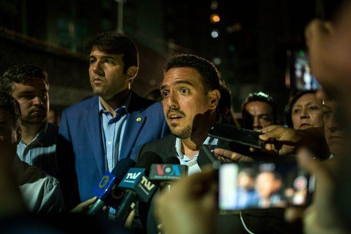 De arrestatie van Zambrano wordt bekendgemaakt tijdens een persconferentie.