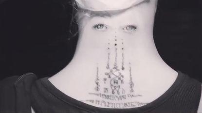 """""""Wat heeft ze gedaan?"""", niet iedereen is fan van Cara Delevingne's tattoo"""