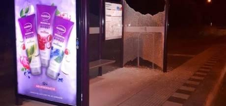Ook bushokjes vernield in Sprang-Capelle, politie doet onderzoek