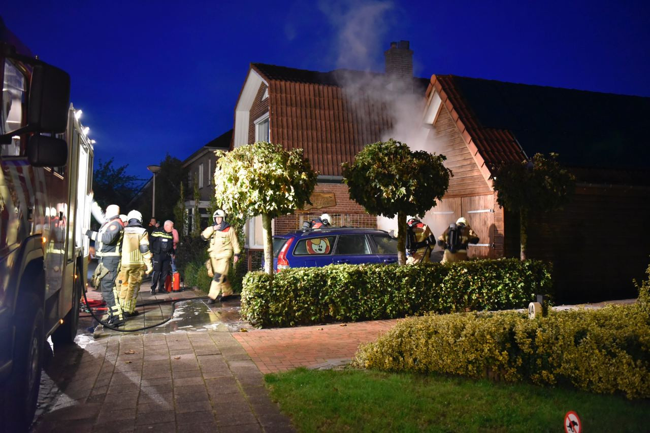 De vrouw des huizes was vlak voor de brand nog met de auto op pad geweest.