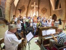 50 jaar Ad Fundum in Bornerbroek: minder kerkelijk, meer algemeen