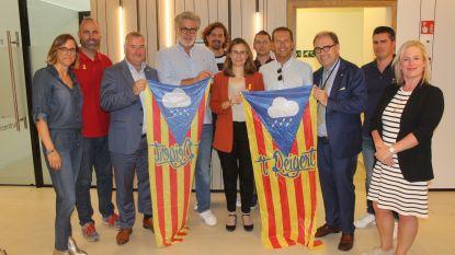 Voormalig Catalaans minister brengt carnavalsgroep 't Reigert bezoekje na opvoering Puigdemont in carnavalsstoet