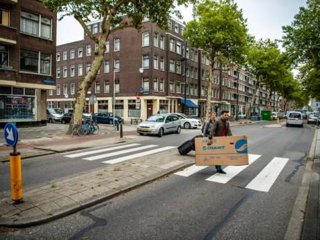 Bewoners Mathenesserweg bezorgd: verkoop de straat niet aan huisjesmelkers
