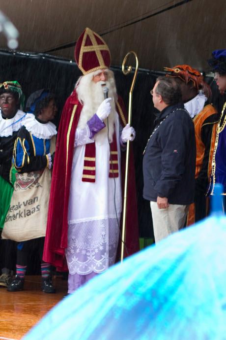 Sinterklaas is weer in de Liemers en op deze dag arriveert hij bij jou