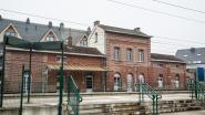 Stationsgebouw krijgt nieuw dak