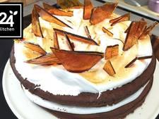 Brownietaart met salted caramel en marshmallow fluff