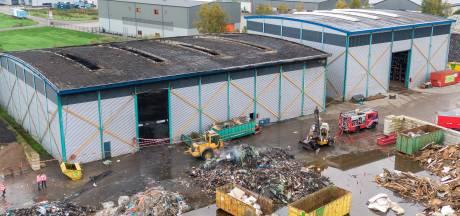 Afvalverwerker in Balkbrug roept om bewustwording na grote brand: 'dit afval is van ons allemaal'