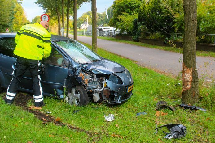 Automobilist gewond bij ongeluk op de Lochemseweg in Warnsveld.