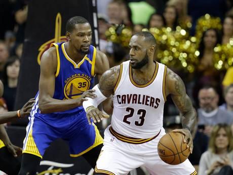Allemaal staan, de NBA begint