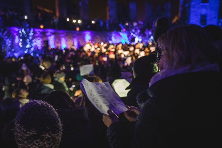 Allez Chantez! liet iedereen gezellig samen zingen op het binnenplein van het Gravensteen.