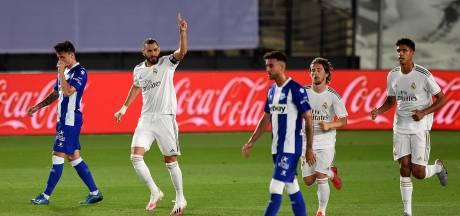 LIVE | Benzema schiet vanaf de stip Real op voorsprong