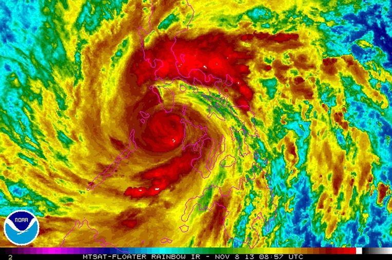 Een satellietfoto van de tyfoon Haiyan Beeld epa