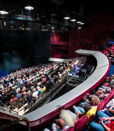 Waarom er een tribune staat in de zaal van Theater aan de Parade