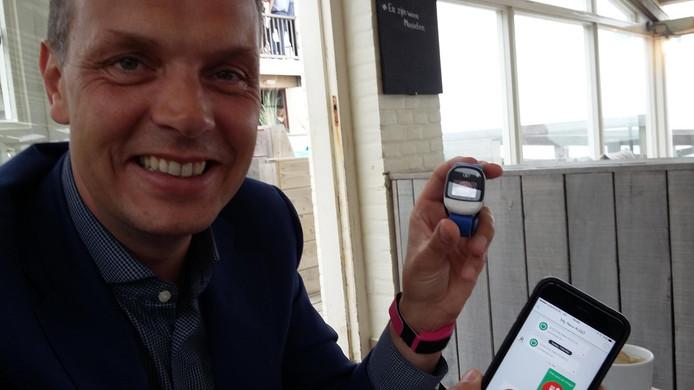 Erik Recter bedacht de KiGo-watch nadat zijn nichtje Nikki bij het skiën een andere afslag nam en kwijt raakte.