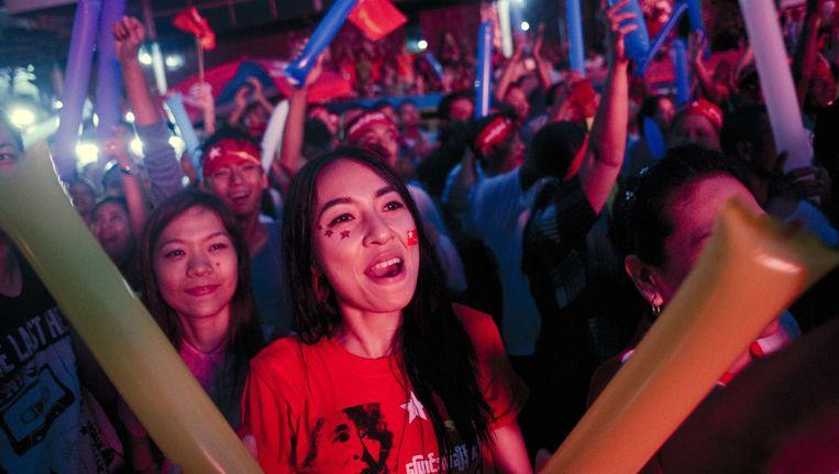 In Birma wordt de voorsprong van de NLD gevierd. Beeld afp