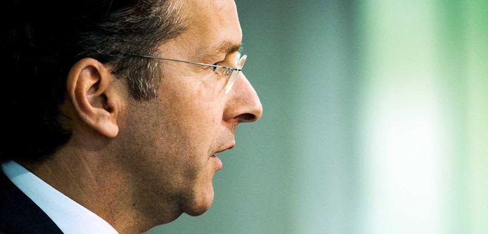 Minister van Financiën Jeroen Dijsselbloem is nog steeds in gesprek met de Europese Commissie om de economische cijfers van andere EU-landen los te krijgen.